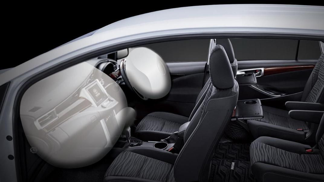 2020 Toyota Kijang Innova 2.0 V A/T Interior 005