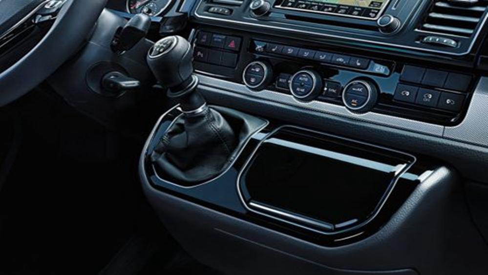 Volkswagen Caravelle 2019 Interior 012