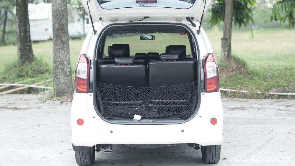 Toyota Avanza Veloz 1.3 MT Interior 048