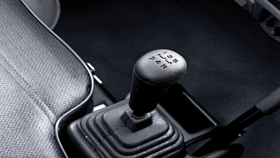 Mitsubishi T120SS 2019 Interior 004