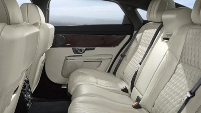 Jaguar XJ 2019 Interior 004