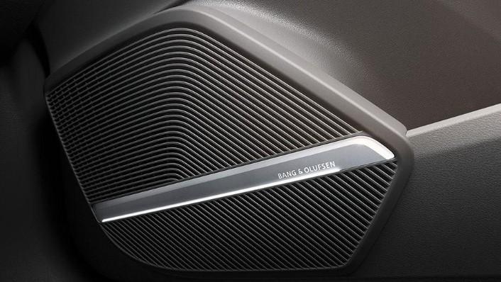 Audi Q5 2019 Interior 009