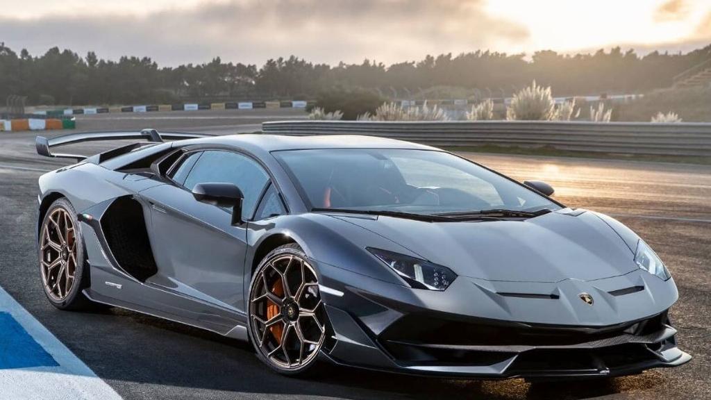Lamborghini Aventador 2019 Exterior 013