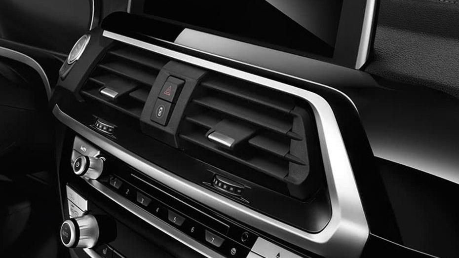 BMW X3 2019 Interior 006