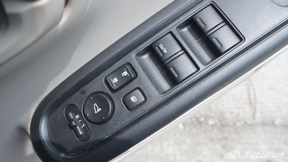 Honda Mobilio E CVT Interior 021