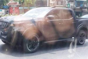 Bakal Mendapat Update, Nissan Navara Terpantau Berbalut Camouflage di Jalanan Thailand