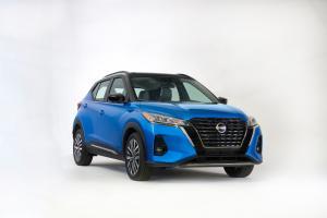 Bukan cuma listrik, Nissan Kicks facelift juga tersedia mesin bensin di AS!