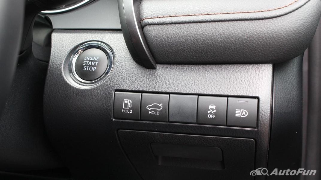 Toyota Camry 2019 Interior 055
