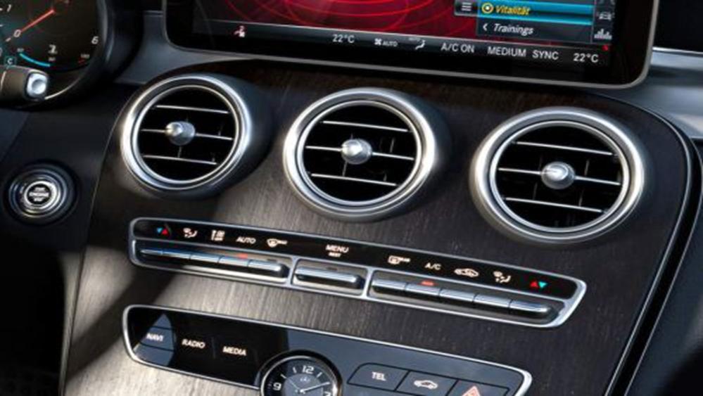 Mercedes-Benz C-Class Estate 2019 Interior 008