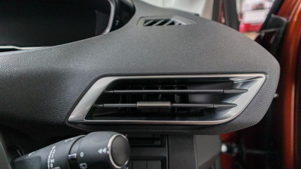 Peugeot 3008 2019 Interior 024