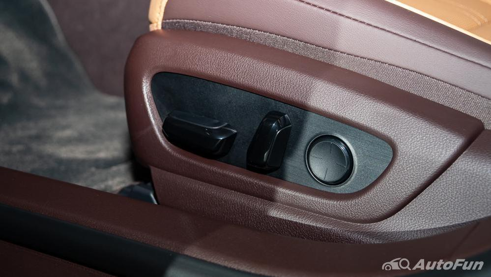 Lexus ES 2019 Interior 030