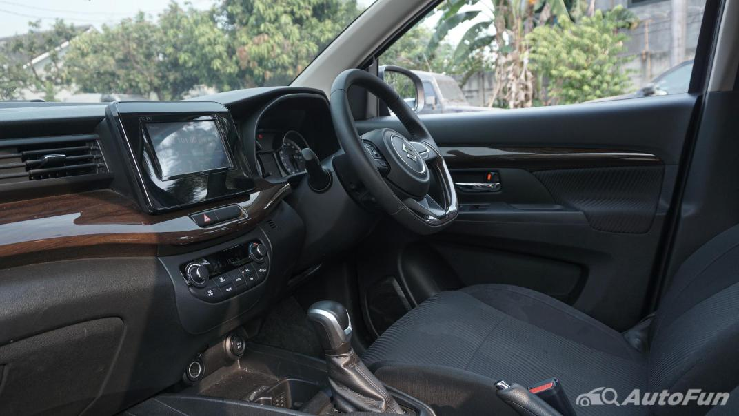 Suzuki Ertiga Sport AT Interior 003