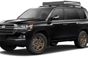 Adu Spesifikasi Toyota Land Cruiser dan Land Rover Range Rover Velar