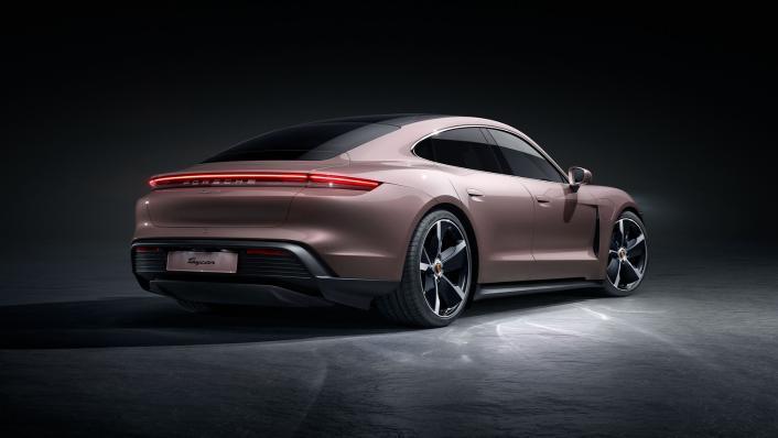 2021 Porsche Taycan Exterior 003