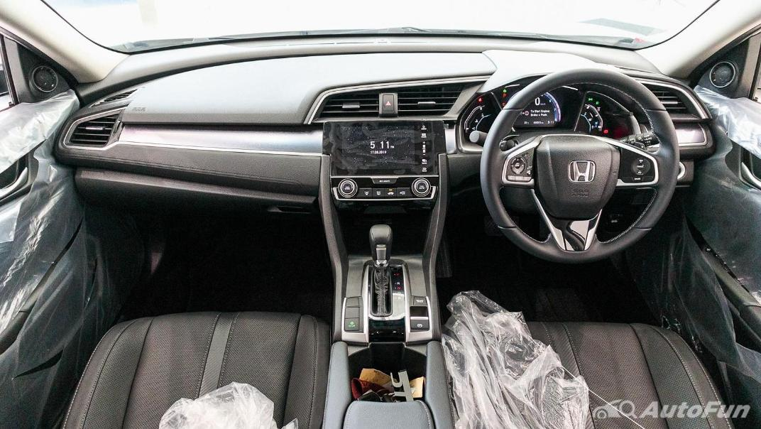 Honda Civic 2019 Interior 006