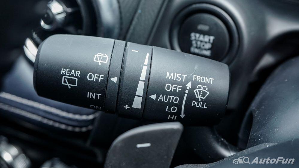 Mazda 2 GT AT Interior 011