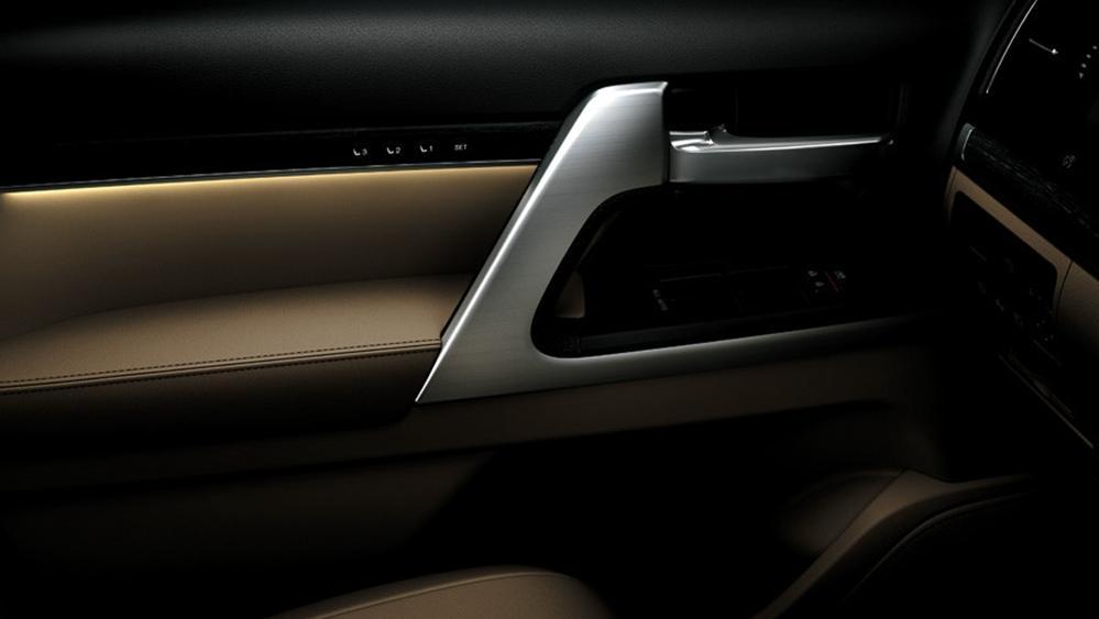 Toyota Land Cruiser 2019 Interior 010