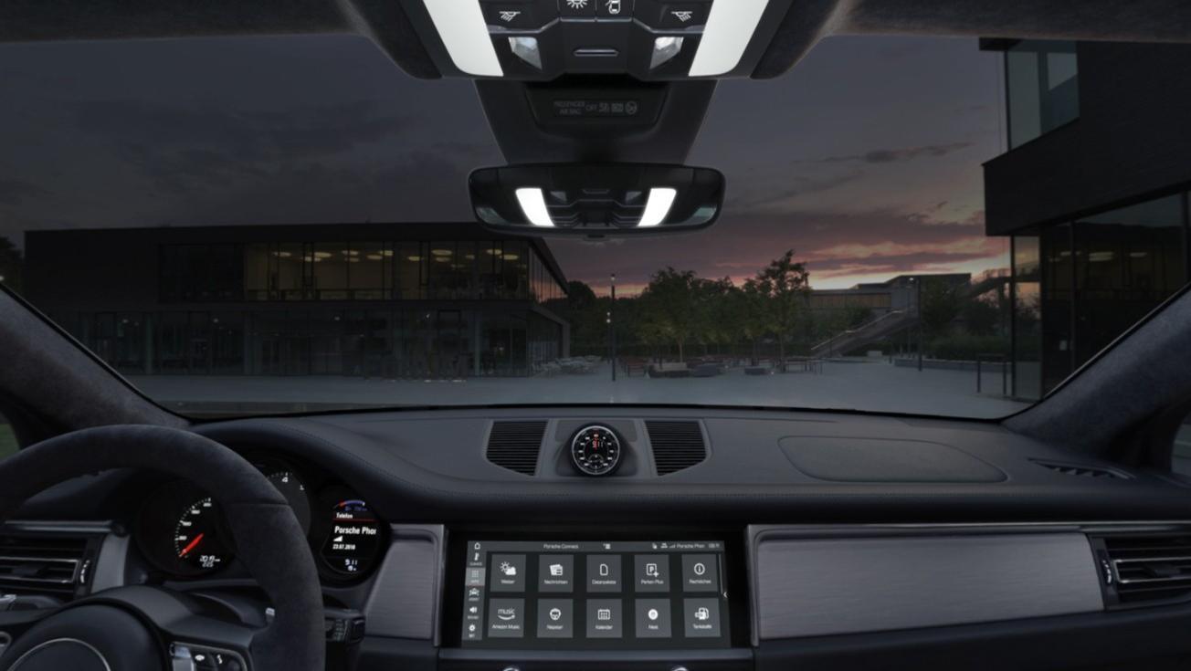 Porsche Macan 2019 Interior 003