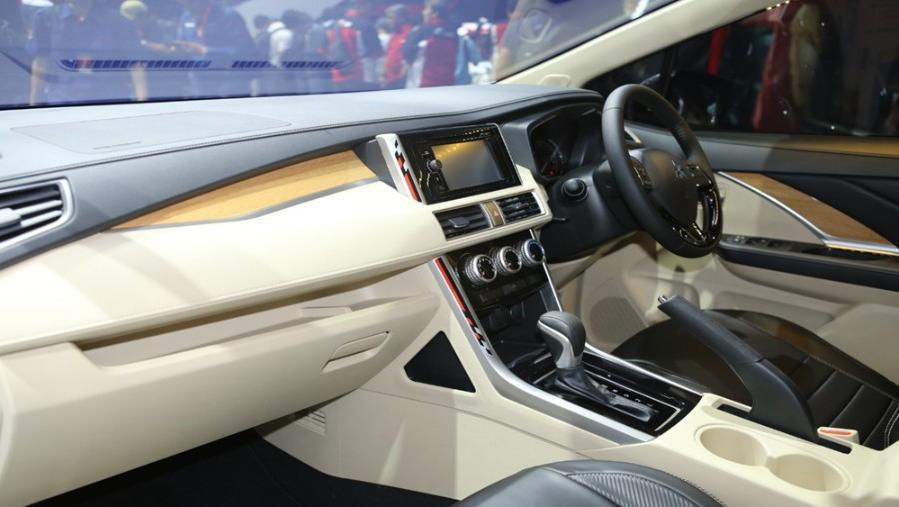 Mitsubishi Xpander Limited 2019 Interior 002