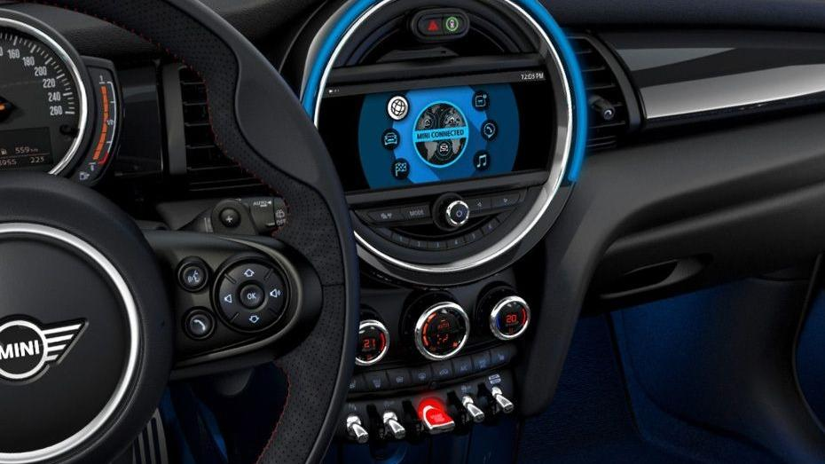 MINI 5 Door 2019 Interior 003