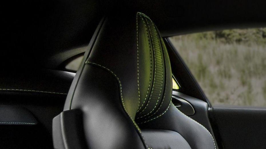 Aston Martin Vantage 2019 Interior 008