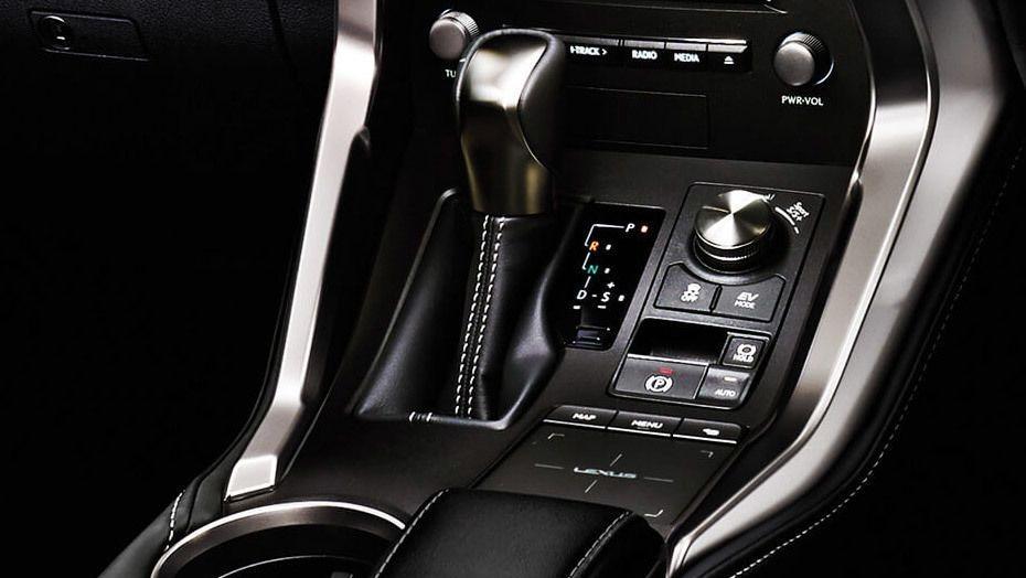 Lexus NX 2019 Interior 005