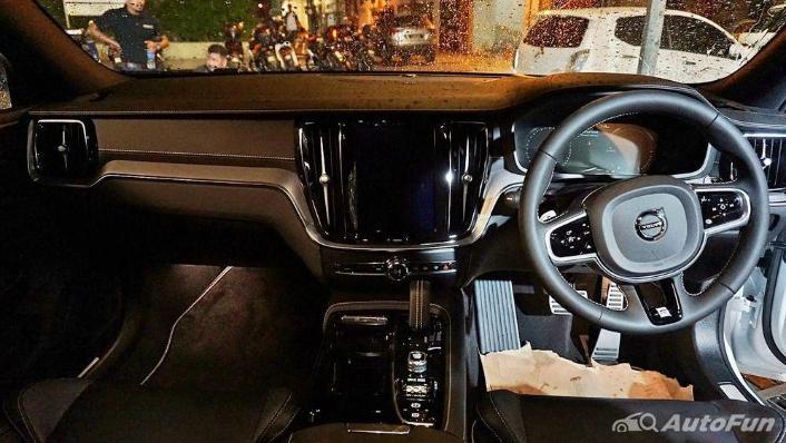 Volvo S60 2019 Interior 001