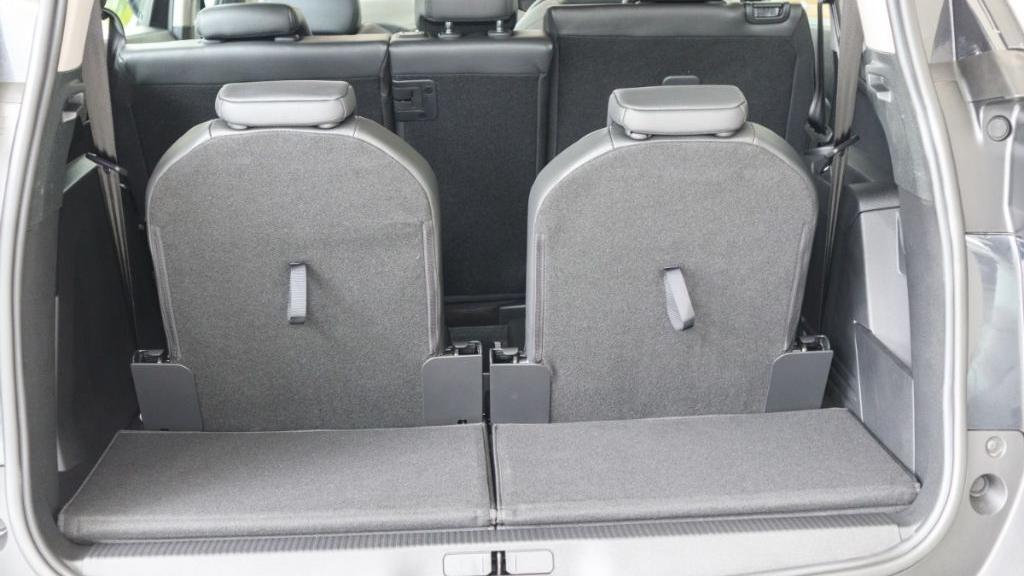 Peugeot 5008 2019 Interior 038
