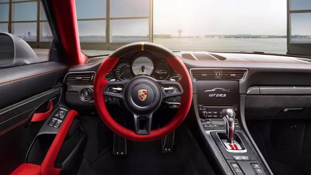 Porsche 911 2019 Interior 001
