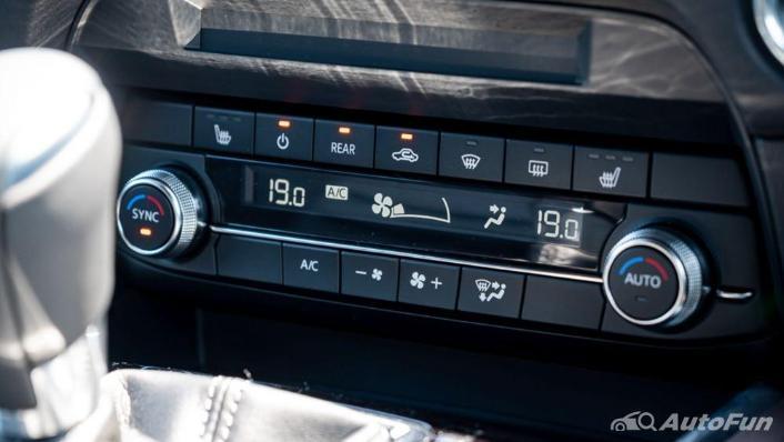Mazda CX 8 2019 Interior 010
