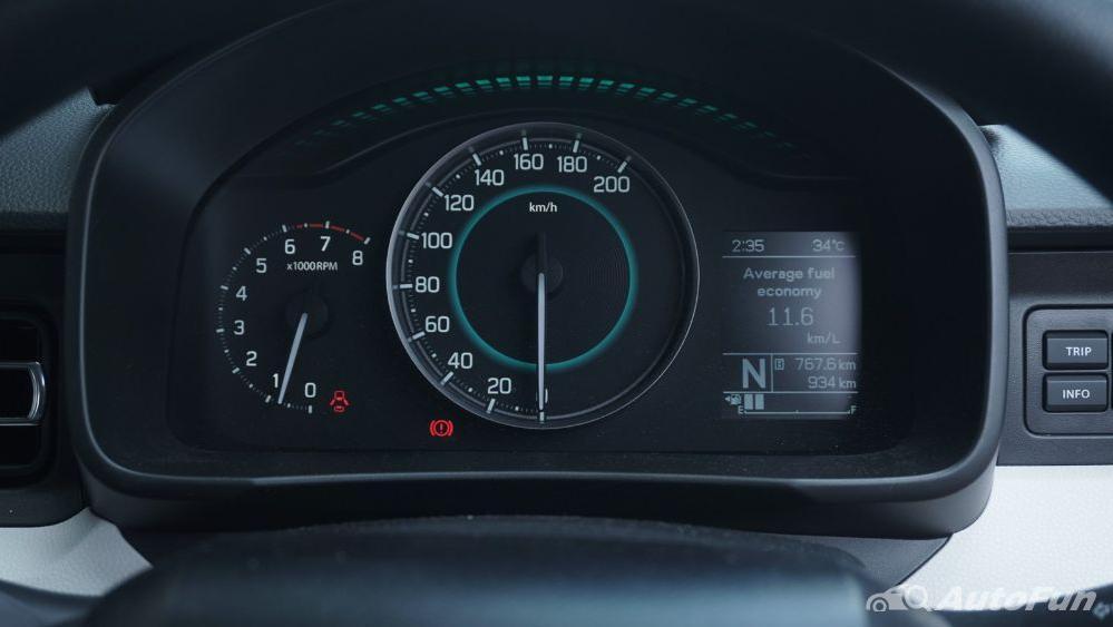 Suzuki Ignis GX AGS Interior 011