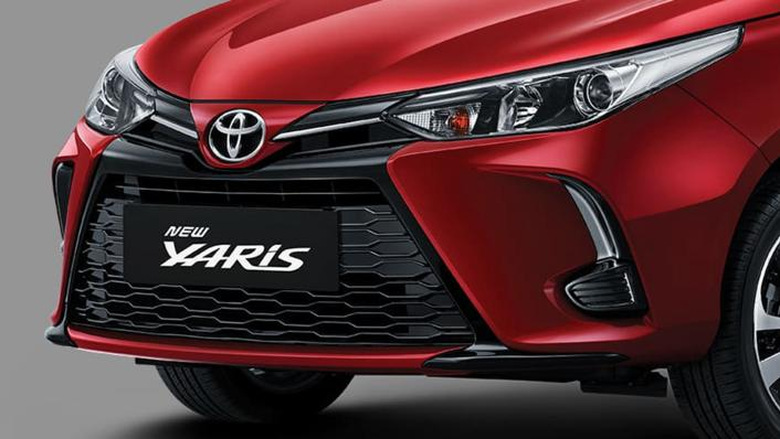 2021 Toyota Yaris 1.5 S CVT GR Sport 7 AB Exterior 010