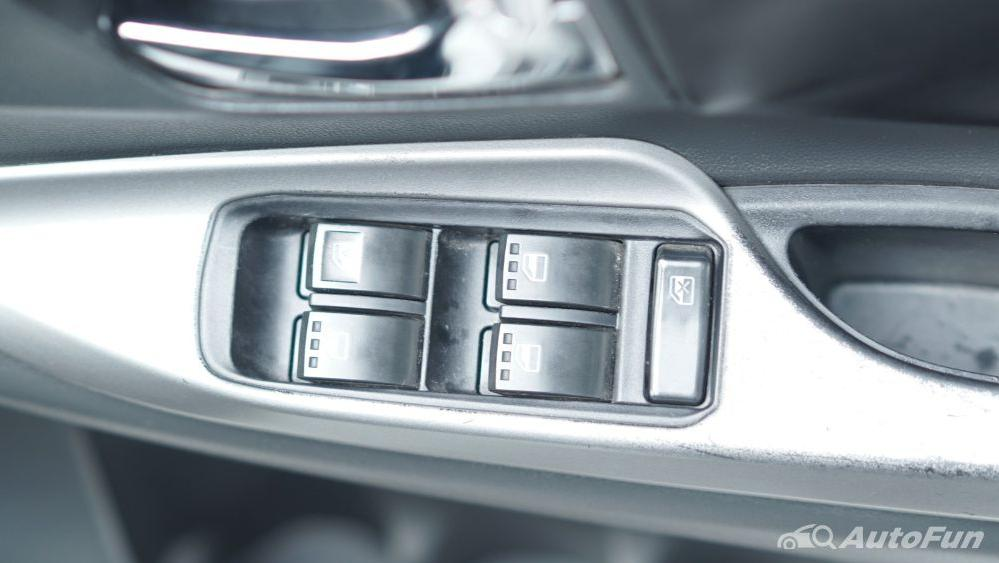 Toyota Avanza Veloz 1.3 MT Interior 035