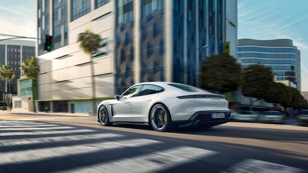 2021 Porsche Taycan Exterior 010