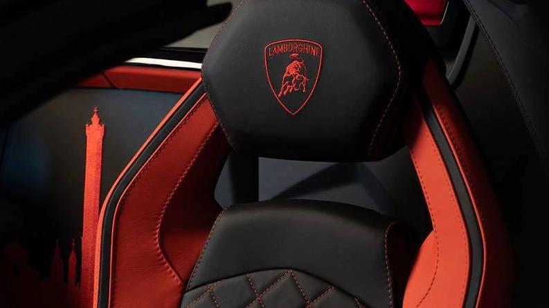 Lamborghini Aventador 2019 Interior 011