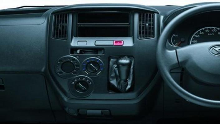 Daihatsu Gran Max MB 2019 Interior 004