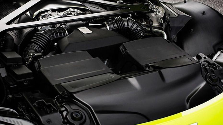 Aston Martin Vantage 2019 Interior 010