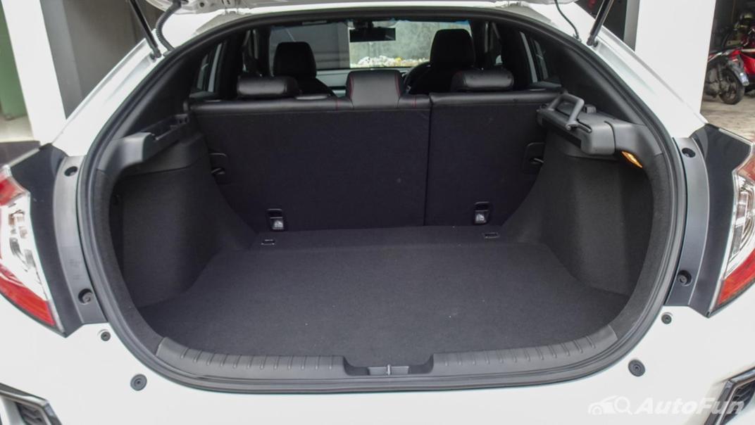 Honda Civic Hatchback RS Interior 004