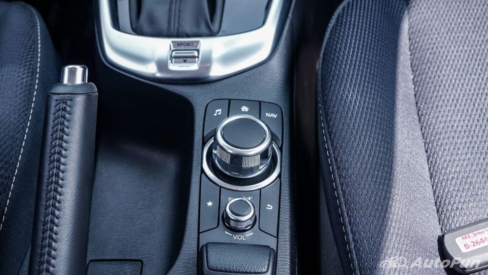 Mazda 2 GT AT Interior 018