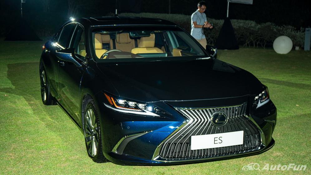 Lexus ES 2019 Exterior 003