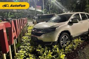 Lalai Saat Berkendara, Honda CR-V Terobos Taman Semanggi. Perhatikan Tips Berikut ini!