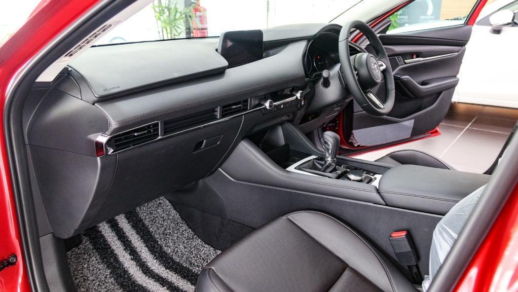 Mazda 3 2019 Interior 011