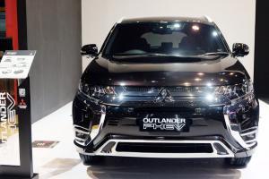 Turun Harga Sampai Rp400 Juta, Saatnya Beli Mitsubishi Outlander PHEV di IIMS 2021