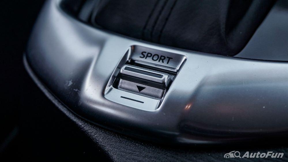 Mazda 2 GT AT Interior 045