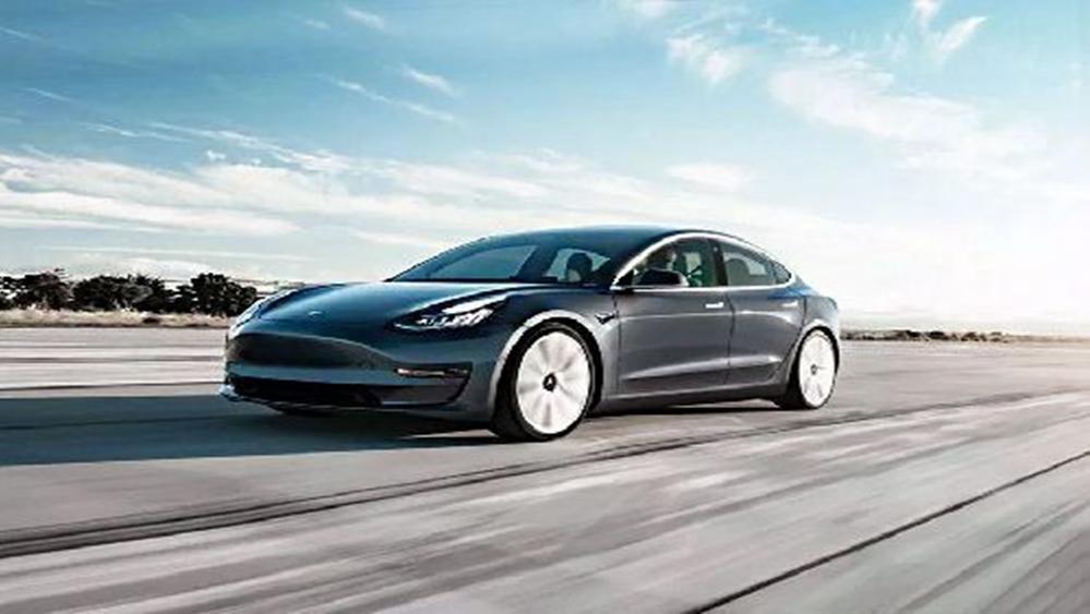 Tesla Model 3 2019 Exterior 011