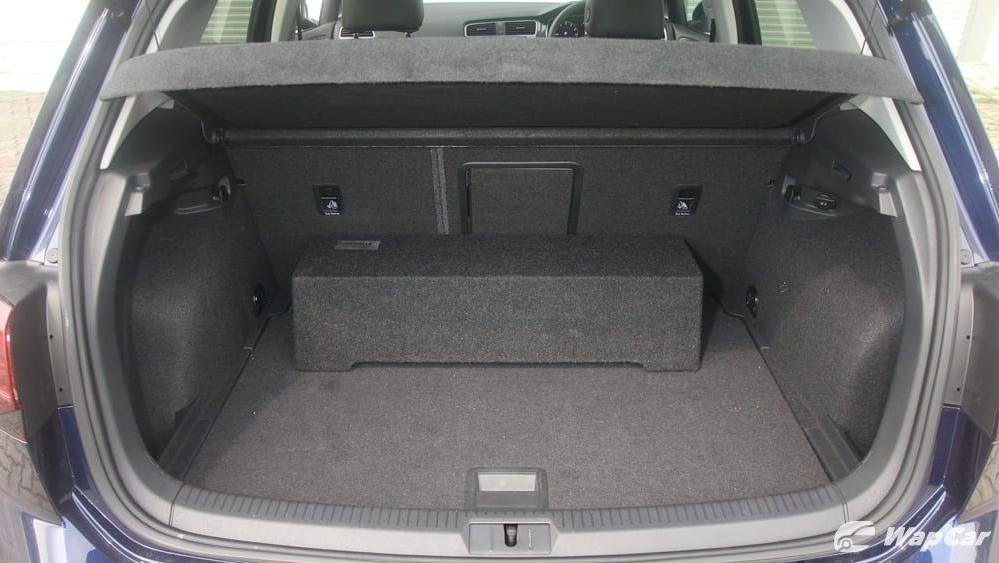 Volkswagen Golf 2019 Interior 059