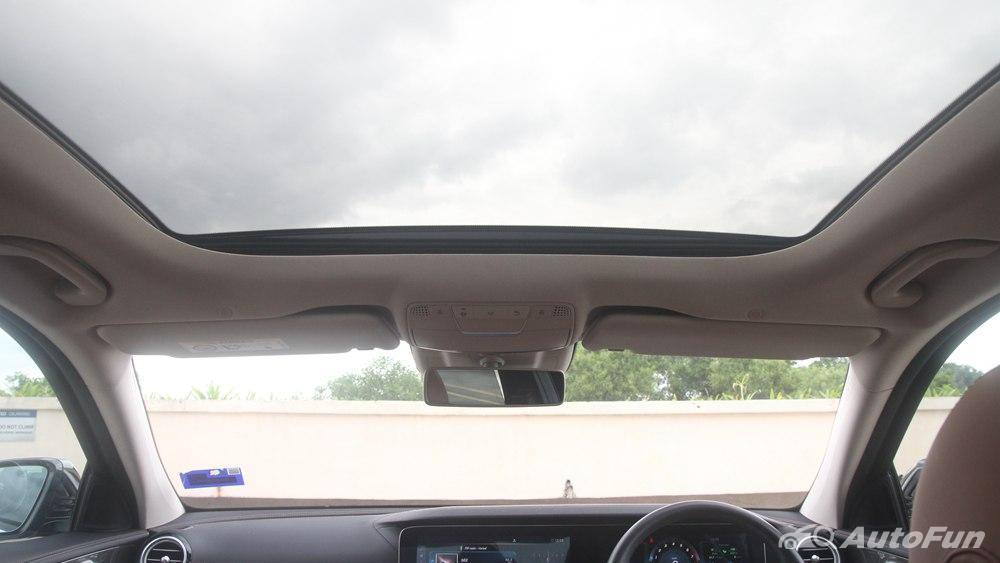 Mercedes-Benz E-Class 2019 Interior 113