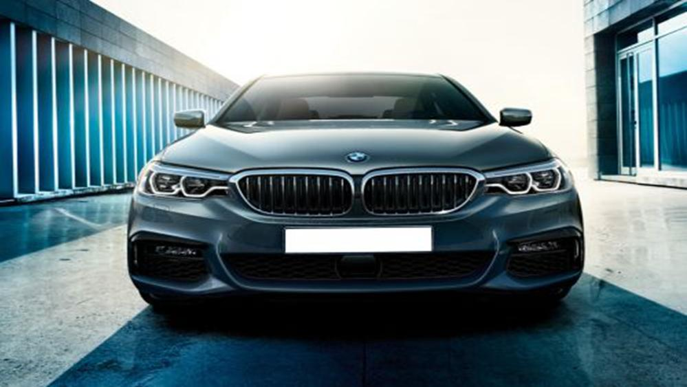 BMW 5 Series Sedan 2019 Exterior 006