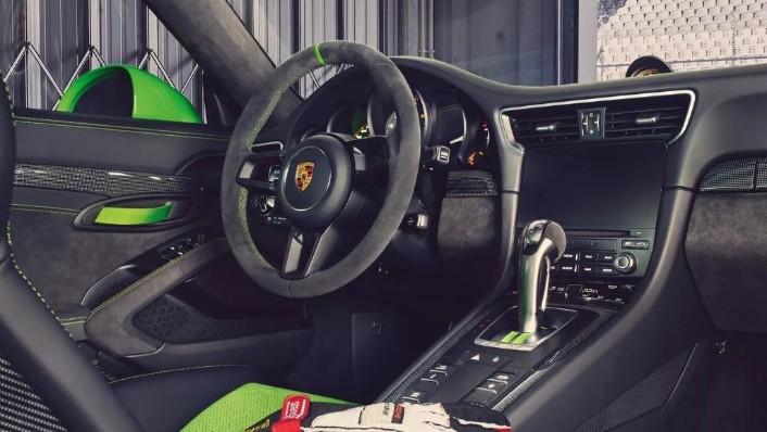 Porsche 911 2019 Interior 007