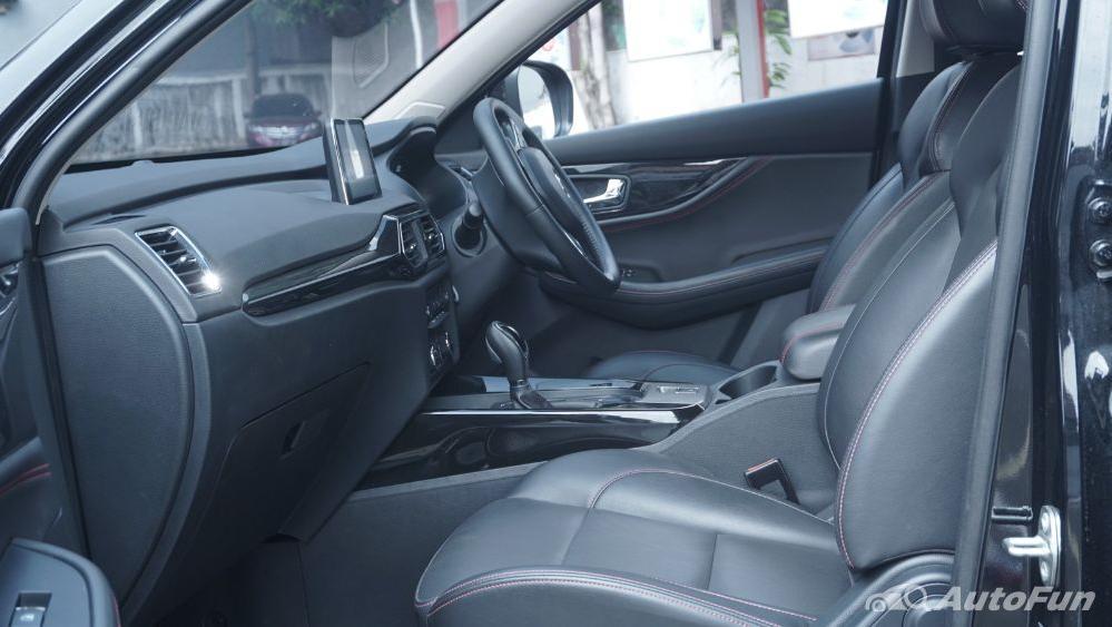 DFSK Glory 560 1.5L Turbo CVT L-Type Interior 029